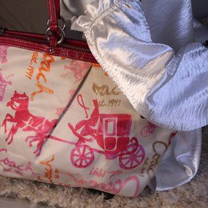 Coach Horse and Carriage Print Tote H1149- F18862